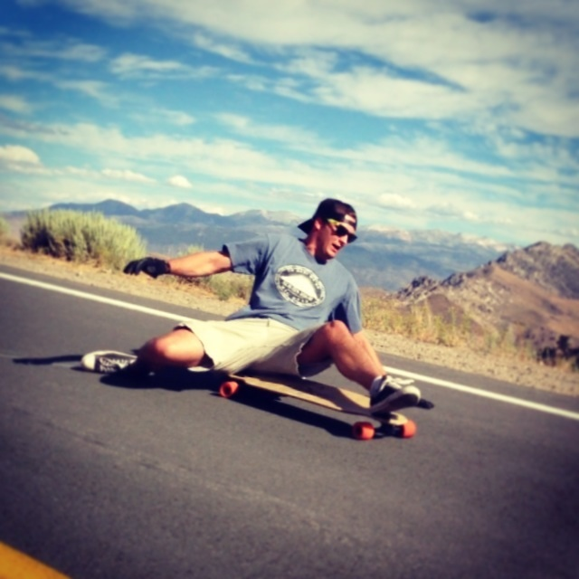 Mitten United Team Rider Tom Wallace Shredding Hard - Downhill longboarding sesh on the way to B4BC Skate The Lake